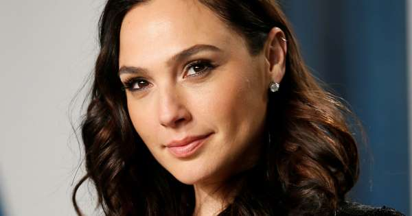 Gal Gadot defends her casting as Cleopatra
