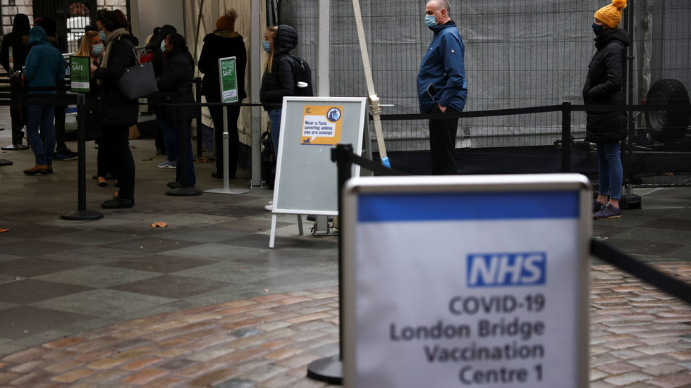 Labour leader Starmer calls for legislation to outlaw anti-vax campaigners, warns misinformation will 'cost lives'