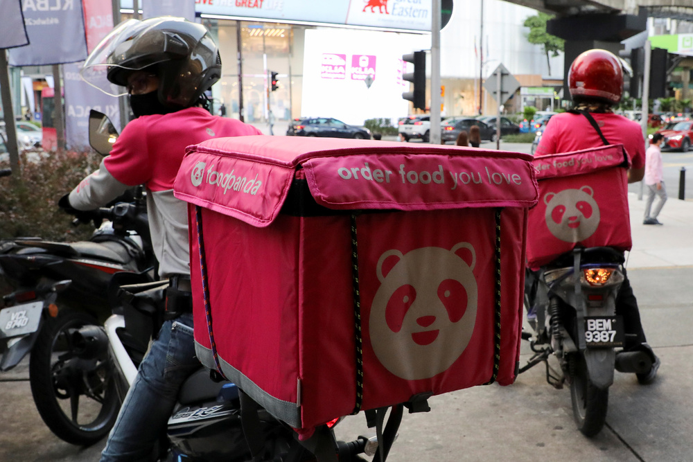 Facebook user Hars Lo wrote that a delivery staff member from Foodpanda ended up sending the wrong order to a residential flat in Yuen Long last Friday. File photo.