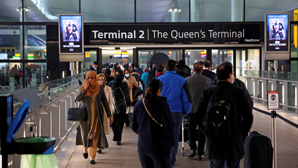 UK Border Force may link Covid-19 paperwork to ePassports to avoid airport overcrowding – media